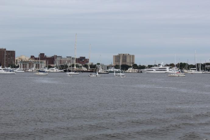 STM 470, People enjoying Charleston Harbor