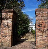 waverly-mansion-gate