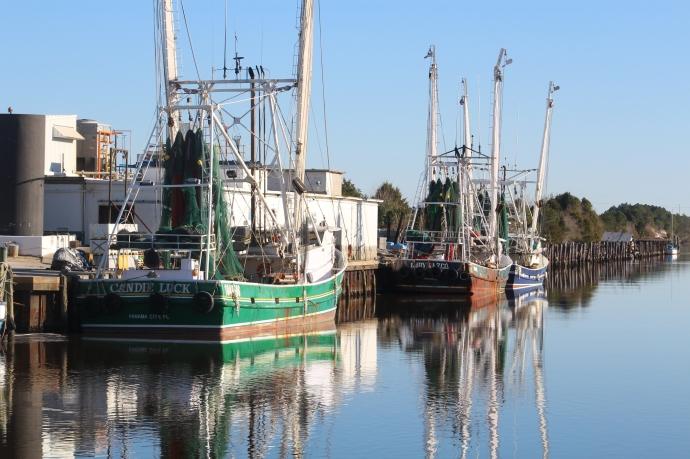 2-shrimp-boats