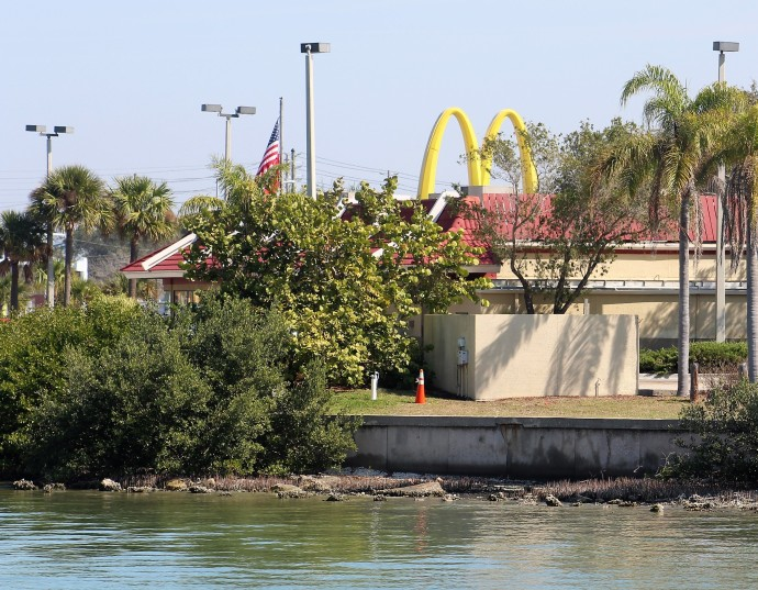 5-mcdonalds-dock-and-dine