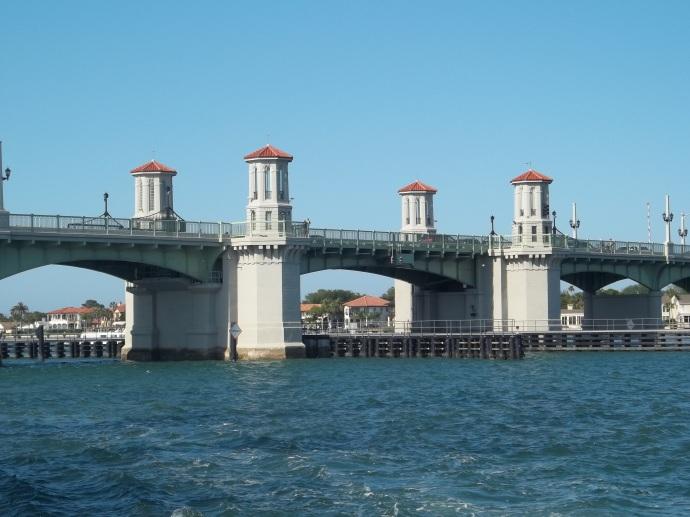 St_Aug_FL_Bridge_of_Lions_west_end06[1]