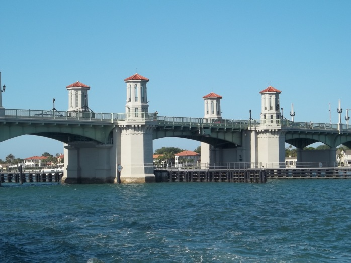 St_Aug_FL_Bridge_of_Lions_west_end06[1]