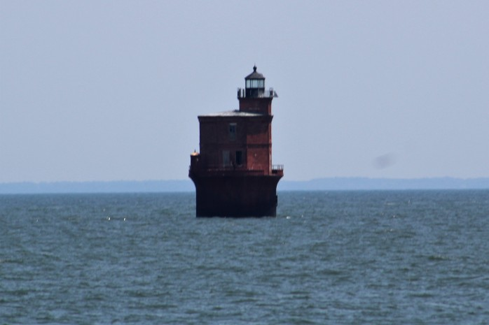 53 Smithpoint Light
