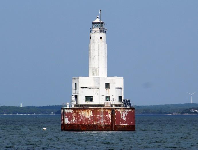 110 Cleveland Ledge Lighthouse