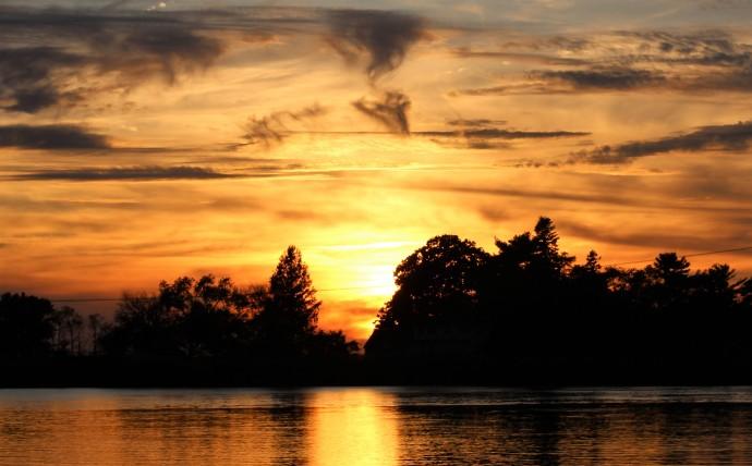 2 Sunset Salem River