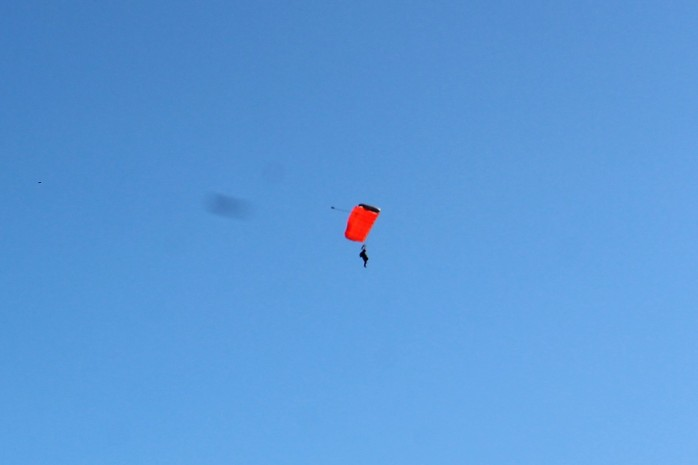 11 Skydiver
