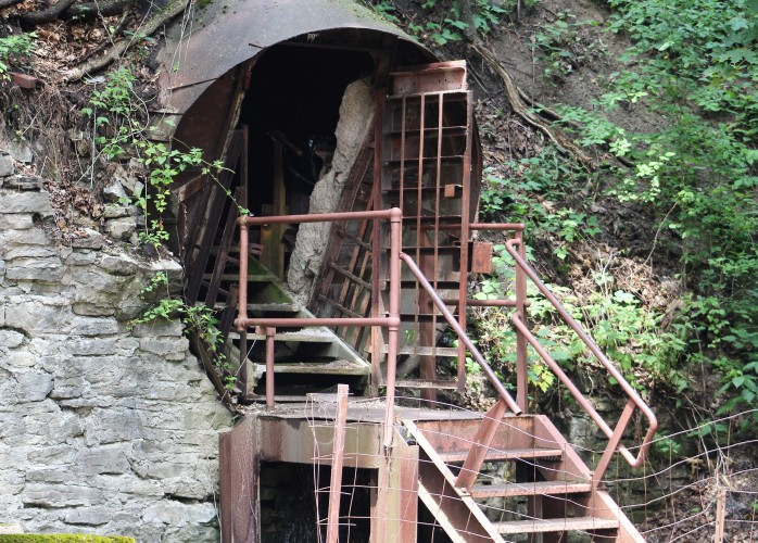 115 Erie Canal Cave