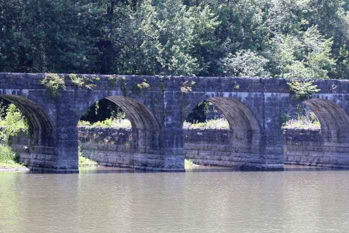 17 Aquaduct