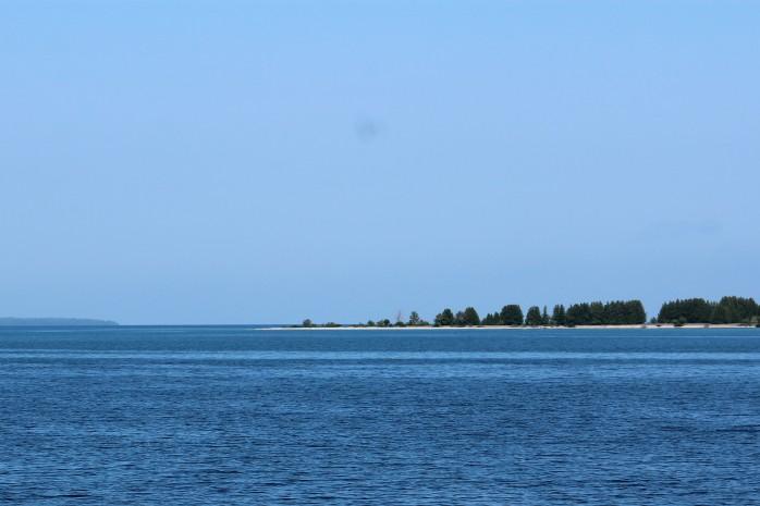 9 Middle Island